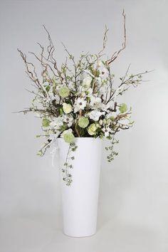 Specialist in decoraties op maat Large Flower Arrangements, Silk Arrangements, Cylinder Vase, Event Themes, Ikebana, Flower Decorations, Home Deco, Flower Designs, Indoor Plants