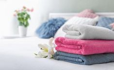 If you are a salon owner, a beautician or an esthetician, the one thing you will be reaching out for the most during a day is going to be a salon towel. Hotel Towels, Spa Towels, Cotton Towels, Diy Cleaning Products, Dry Cleaning, Clean Washer, Wash And Fold, Gym Towel, Bleach