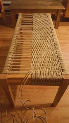 Weave a bench DIY! Amazing! #woodworkingbench #WoodworkDIY