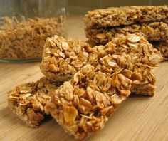 Delectably Mine: Crunchy Granola Bars Easy, and I'm so doing this! I love my granola bars too and hate the sugar in them and want organic! Crunchy Granola Bar Recipe, Homemade Granola Bars, Vegan Granola, Breakfast Recipes, Snack Recipes, Cooking Recipes, Freezer Recipes, Breakfast Bars, Freezer Cooking