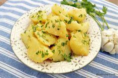 reteta cartofi natur cu usturoi si patrunjel verde Romanian Desserts, Cantaloupe, Potato Salad, Foodies, Dessert Recipes, Potatoes, Ethnic Recipes, Green, Kitchens