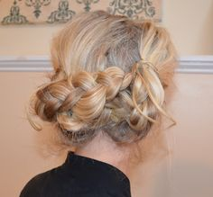 { braided hairstyle }