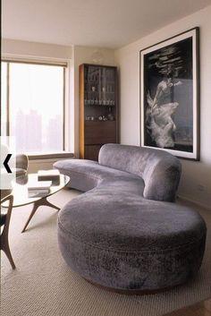 Bedroom Furniture Design House - Repurposed Furniture Bar - Furniture Design Videos Chair DIY Projects - Furniture For Small Spaces Studio Apt - Gebogenes Sofa, Sofa Furniture, Furniture Design, Rustic Furniture, Furniture Removal, Furniture Layout, Repurposed Furniture, Couches, Furniture Plans