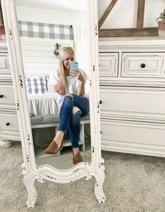 Browse hundreds of tips, tricks, and do-it-yourself guides for creating the perfect farmhouse look in your home. Farmhouse Design, Farmhouse Decor, Industrial Farmhouse, Farmhouse Style, Laundy Room, Farmhouse Master Bedroom, Standing Mirror, Inspiring Things