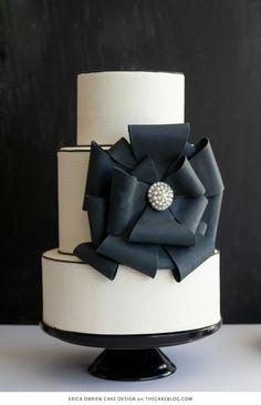 Beautiful Cake Pictures: Elegant Black Bow Wedding Cake - Black & White Cakes, Cakes with Ribbons, Elegant Cakes - Bow Wedding Cakes, Amazing Wedding Cakes, Wedding Cake Designs, Black White Cakes, Black And White Wedding Cake, Beautiful Cake Pictures, Beautiful Cakes, Bow Cakes, Cupcake Cakes