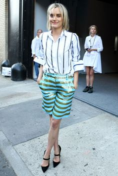 taylor schilling look stripes street style