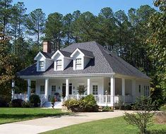 southern-style home plan. LOVE.