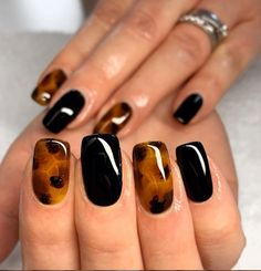 Every woman likes to do manicure, because it can make you more beautiful. If you are looking for some special nail art design, you may be interested in today's tortoise shell nails. Tortoise is a very lovely animal. Dream Nails, Love Nails, My Nails, Stylish Nails, Trendy Nails, Special Nails, Minimalist Nails, Beautiful Nail Designs, Nail Polish Designs