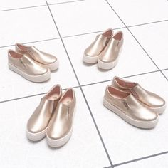 Gold 💛💛💛 #PrettyDhans #SlipOn #Panchas #Peru #Calzado #Zapatos #shoes #IloveShoes #iloveflats #summer #summergirl  #sea #beach #spring #sotd #sneakers #loafer #ballerinas #balerine #sandals #surf #plataformas #chaussures #moda #cool #HandMade #PeruvianSHOES