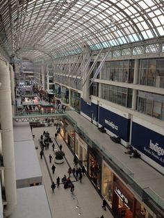 O que fazer em Toronto - Helena Mattos | Eaton Centre #canada