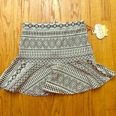 Patterned Skirt Cute short skirt. Never worn Vera Wang Skirts