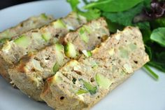 Do you also love to have eggs for breakfast? Then, out of countless ways to prepare them, you also have to try this fit baked tuna omelette. This healthy, low carb breakfast wil. Low Carb Breakfast, Healthy Breakfast Recipes, Healthy Baking, Healthy Recipes, Baked Omelette, Brownies Sains, Courge Spaghetti, Desserts Sains, Low Calorie Recipes