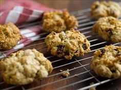 We have a wide selection of gluten free recipes for coeliacs. Our recipes are tried and tested by our team so you get great tasting gluten-free meals. Rock Cakes, British Desserts, Small Cake, Yummy Cakes, Afternoon Tea, Gluten Free Recipes, Free Food, Cake Recipes, Muffin