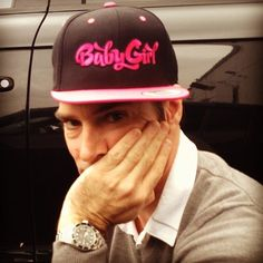 Thomas sporting Shemar's Baby Girl hat :) Hotch should wear this on the show sometime! Adorable pic ;)