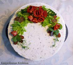 Kääpiölinnan köökissä: Avokado-paprikakakkua ja muuta mukavaa muksujen synttäreiltä ♥
