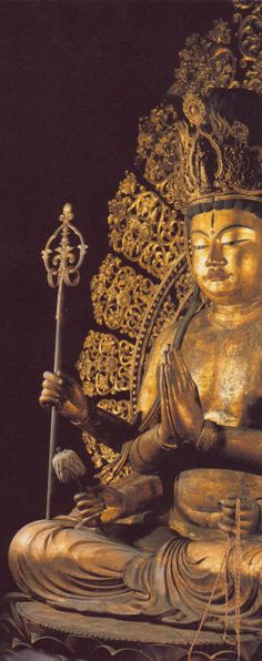 不空羂索観音坐像-fukuukensakukannonzazou- (amoghapāśa) One of bodhisattvas. The work of an engraver 康慶. 興福寺(koufukuji)