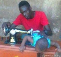 Skykishrain - Modern Tailor Only in Africa Funny Picture Jokes, Best Funny Pictures, Funny Photos, Funny Gags, The Funny, Funny Pictures Pakistani, Daniel Tosh, Mama Jokes, Modern Tailor