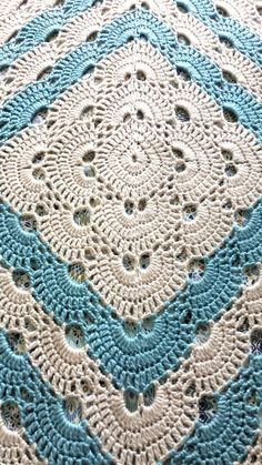 René from the blog Periwinkle Pursuits shares her lovely work on this blanket known as the Virus Blanket. She made this by using this youtube video instruction.