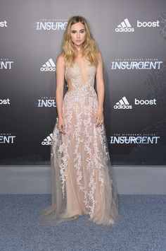 7 best looks from the 'Insurgent' premiere: Suki Waterhouse in Reem Acra
