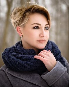 Long pixie hairstyles are a beautiful way to wear short hair. Many celebrities are now sporting this trend, as the perfect pixie look can be glamorous, elegant and sophisticated. Here we share the best hair styles and how these styles work. Short Hairstyles For Women, Hairstyles Haircuts, Long Pixie Hairstyles, Pixie Haircuts, Short Grey Hair, Short Hair Cuts, Short Hair Styles, Haircut For Older Women, Pixie Haircut For Thick Hair