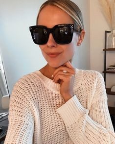 Cute Glasses, Glasses Frames, Round Lens Sunglasses, Sunglasses Women, Quay Sunglasses, Vintage Sunglasses, Womens Fashion Online, Latest Fashion For Women, Celebrity Casual Outfits