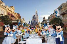 Todos a la mesa con los personajes Disney