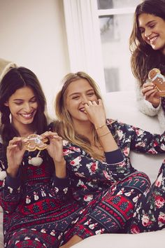 Soft & Cozy | A&F Lookbook | Abercrombie.com | Decorating cookies with the BFFs in Onesies