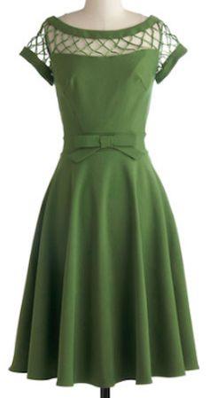 Cute lattice top dress http://rstyle.me/n/hma9vnyg6