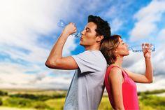 Veseelégtelenséget okozhat a nem megfelelő folyadékpótlás is Aqua, Couple Photos, Couples, Health, Couple Shots, Water, Health Care, Couple Photography, Couple