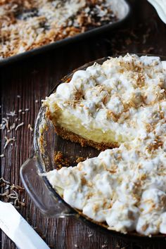 White-Chocolate-Coconut-Cream-Pie