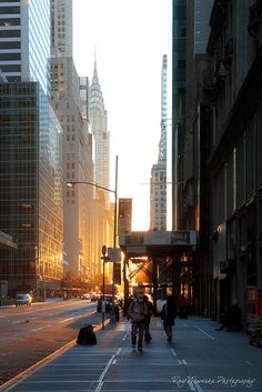 NYC. Sunrise on 42nd Street  // Flickr  by pic fix