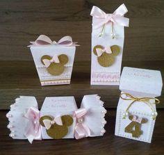 Ver esta foto do Instagram de @fabricadeideiasgo • 36 curtidas Mickey Birthday, Birthday Favors, Mickey Mouse Backdrop, Paper Purse, Milk Box, Craft Gifts, Pink And Gold, First Birthdays, Minnie Mouse