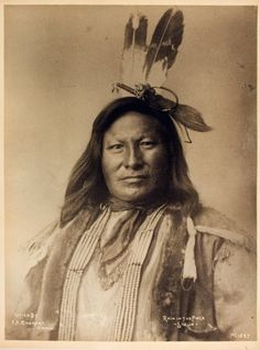 Rain in the Face - Sioux Native American Pictures, Native American Beauty, Native American History, Native American Indians, American Art, American Quotes, American Symbols, American Women, Navajo