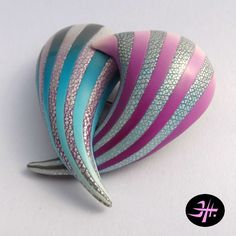 Polymer clay brooch inspired by Elise Vinters, made by Jana Honnerová.
