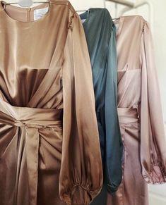 Abaya Fashion, Muslim Fashion, Fashion Dresses, Hijab Evening Dress, Evening Gowns, Hijab Fashion Inspiration, Stylish Dress Designs, Mode Hijab, Classy Dress