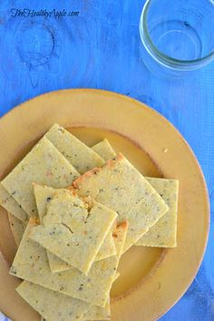 Rosemary Almond Flour Crackers {Gluten-Free, Dairy-Free, Soy-Free} Use egg replacer Almond Flour Recipes, Gf Recipes, Gluten Free Recipes, Low Carb Recipes, Whole Food Recipes, Snack Recipes, Cooking Recipes, Almond Flour Crackers Recipe, Paleo Flour