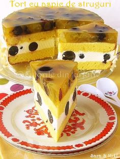 Tort cu aspic de struguri ~ Culorile din farfurie Dessert Drinks, Saveur, Homemade Cakes, Jelly, Smoothie, Bakery, Deserts, Pudding, Sweets