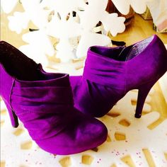 GUESS PURPLE BOOTIES WOW. WHAT A GREAT PAIR OF BOOTS. Purple Ruched booties by GUESS. BARELY WORN....EX CONDITION Guess Shoes Ankle Boots & Booties