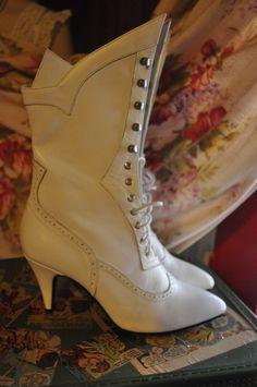 SALE - Victorian Vixen Vintage LeAtheR Steampunk GOth BoOts BooTies Alt Noir Granny Witch 80s/1980s Rocker CHiC Steampunk Shoes, Steampunk Fashion, Victorian Shoes, Victorian Fashion, Rocker Boots, Bootie Boots, Shoe Boots, Goth Boots, Steampunk Wedding