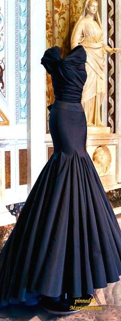 OMG my dream dress Style Couture, Couture Fashion, Evening Dresses, Prom Dresses, Formal Dresses, Elegant Evening Gowns, Evening Gowns Couture, Vintage Evening Gowns, Mermaid Dresses