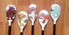 The Gruffalo Story Spoons: imaginary play story telling Wooden Spoon Crafts, Wooden Spoons, Gruffalo Activities, Reading Activities, College Activities, Popsicle Stick Crafts, Craft Stick Crafts, Baby Hai, Painted Spoons