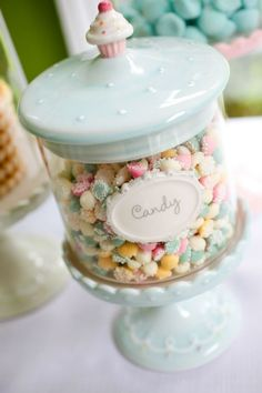 Find images and videos about sweet, pastel and candy on We Heart It - the app to get lost in what you love. Vintage Wedding Cupcakes, Vintage Cupcake, Chocolate Bonbon, Bar A Bonbon, Pastel Kitchen, Pretty Pastel, Pastel Mint, Pastel Colors, Pastel Room