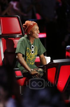 Pharrell Williams The Voice US S10E14 The Live Playoffs, Night 1 and 2