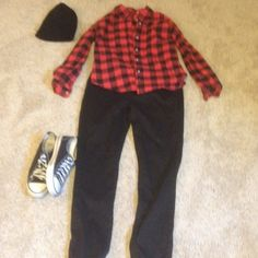 Black and red flannel Worn twice doesn't fit anymore. Large but fits more like a medium. Tops Tees - Long Sleeve