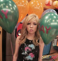 YAYYY… It's Friday!!! Sam And Cat, Jennette Mccurdy, Fashion Shoot, Balloons, Lady, Nice, Pictures, Photos, Funny