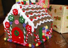 Crochet Gingerbread House  Amazing... must make this for cristmas!!!