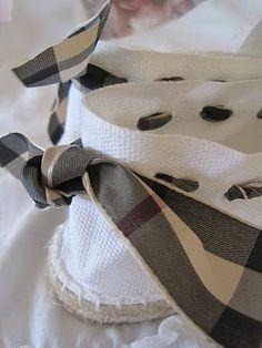 el rincón de salas: ALPARGATAS. Crochet Shoes, Crochet Slippers, Espadrilles Men, Shoe Cupboard, Wedge Sandals, Shoes Sandals, How To Make Shoes, Shoe Closet, Ciabatta