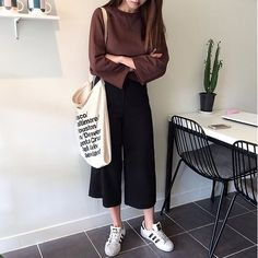 39 Ideas Fashion 2019 Casual For 2019 Korean Street Fashion, Korea Fashion, Asian Fashion, Look Fashion, Trendy Fashion, Ulzzang Fashion, Hijab Fashion, Fashion Outfits, Fashion Tips