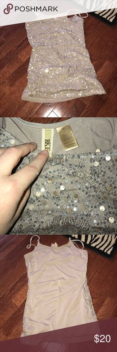 BKE tank top. Size M. Sparkles Like new BKE tank top with tons of sparkles. Form fitting. Size M BKE Tops Camisoles