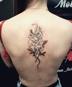 Ink Man Tattoo Studio Budapest #inkmantattoostudio #budapestattoo #tetoválás #tattoo #tattoos #backtattoo #colortattoo #blacktattoo Tattoo Studio, Leaf Tattoos, Budapest, Tattoo Artists, Piercing, Ceiling, Piercings, Body Piercings, Peircings